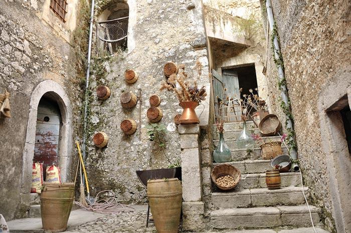 Antiche tradizioni 26 agosto for Compro oggetti antichi